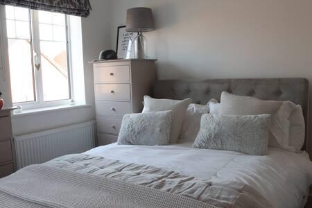 Double bedroom, Ebbsfleet Valley near Gravesend