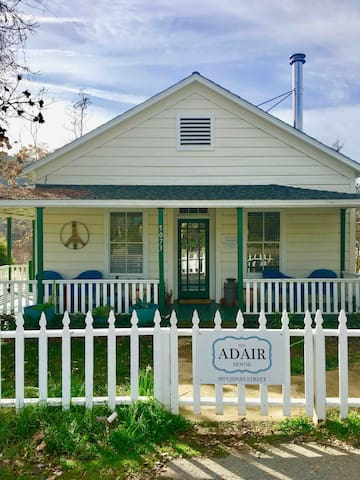 The Historic Adair House has a wrap around porch and beautiful gardens surrounding the property. Come and enjoy your stay in our Joanna Gaines inspired Farmhouse, located right in town of charming little Mariposa!