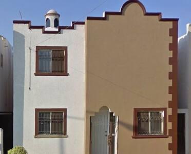 Cómoda habitación en zona céntrica - Torreón