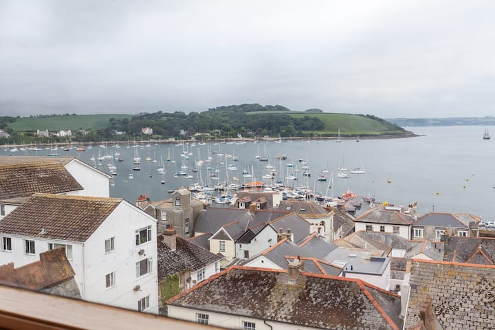 3 Bedroom Duplex with the best views of Falmouth