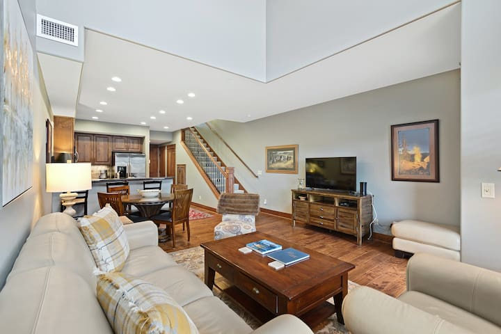 Fabulous Riverstone condo w/shared deck, outdoor dining area, grills, & firepit