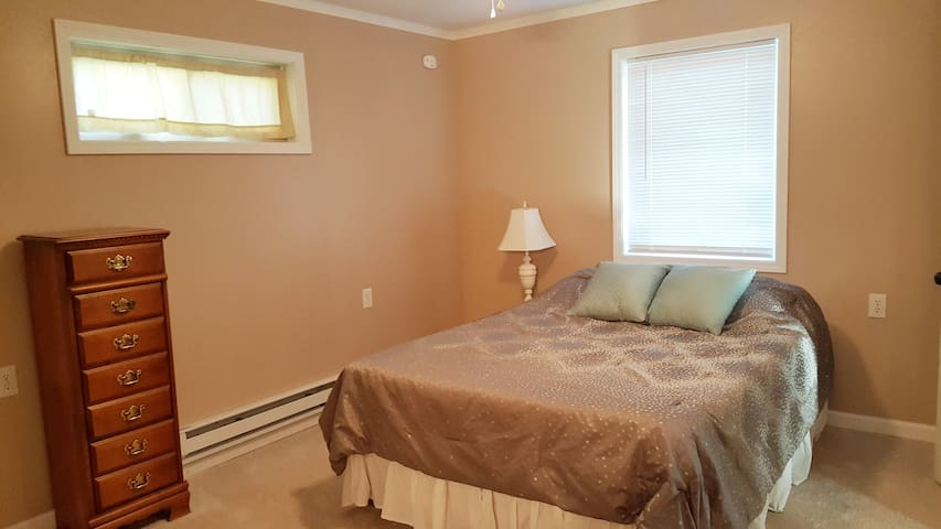 The master bedroom with queen-sized memory foam mattress.