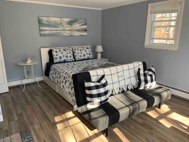 Private and brand new suite in Hyannisport
