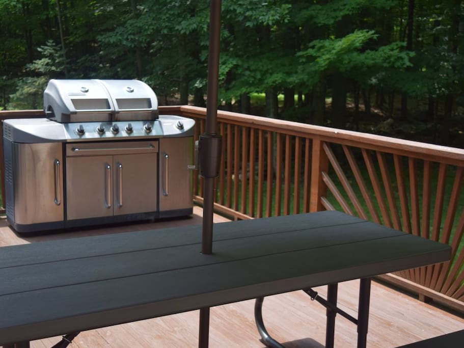 Rear Deck With Barbeque