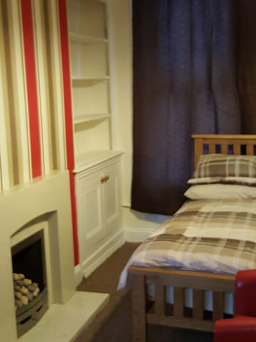 ROOMS TO LET IN BARROW . SHARED BATHROOM - Barrow-in-Furness - Casa
