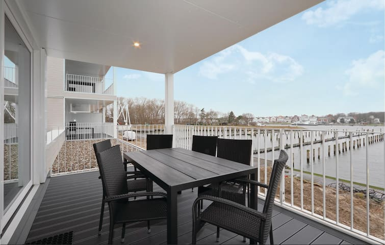 Holiday apartment with 2 bedrooms on 82m² in Travemünde Waterfront