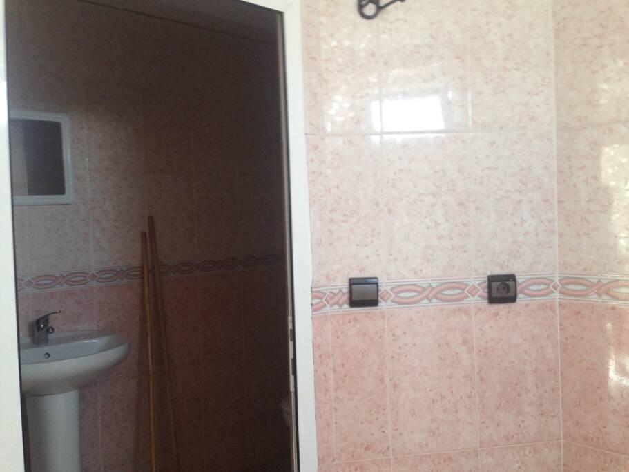 Sdb-toilettes-douche
