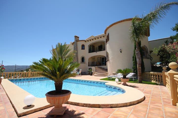 Villa mit fantastischem Meerblick, in ruhiger Lage - Montesano - Apartemen