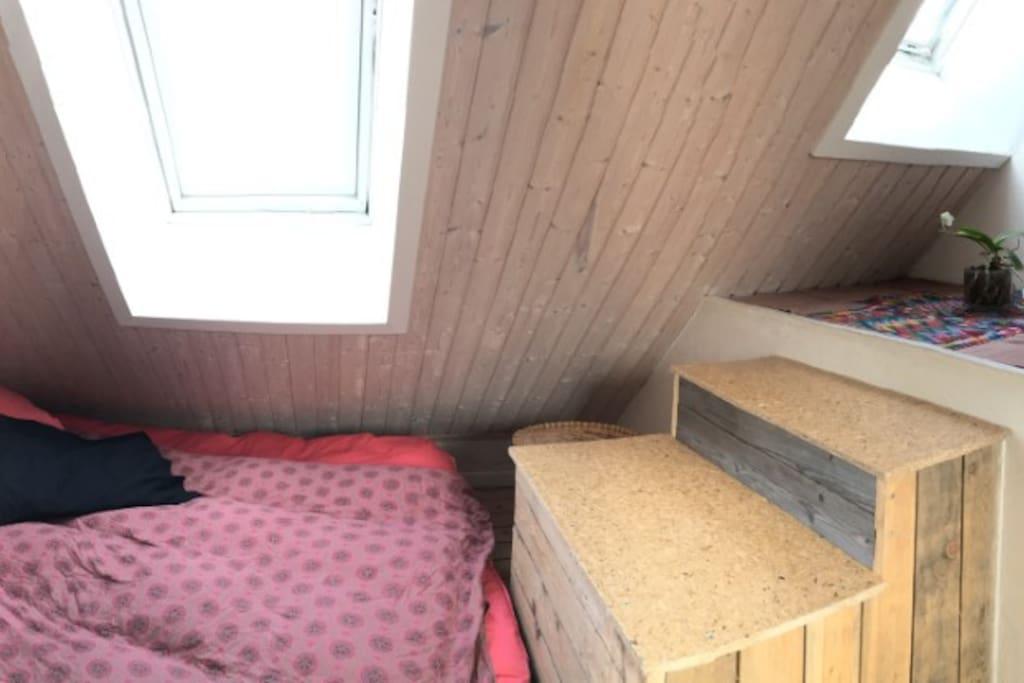 Lille soveværelse på 9 m2 på første sal