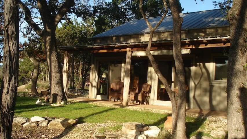 Casitas at Madrona Ranch - Pipe Creek - Bed & Breakfast