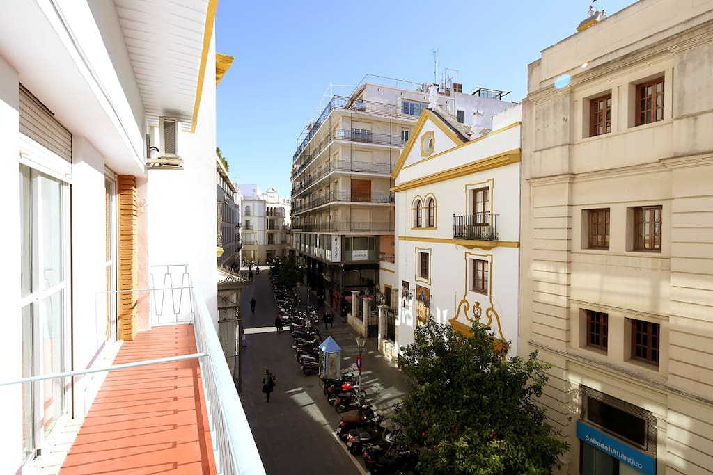 View of Rioja street from the apartment balcony.