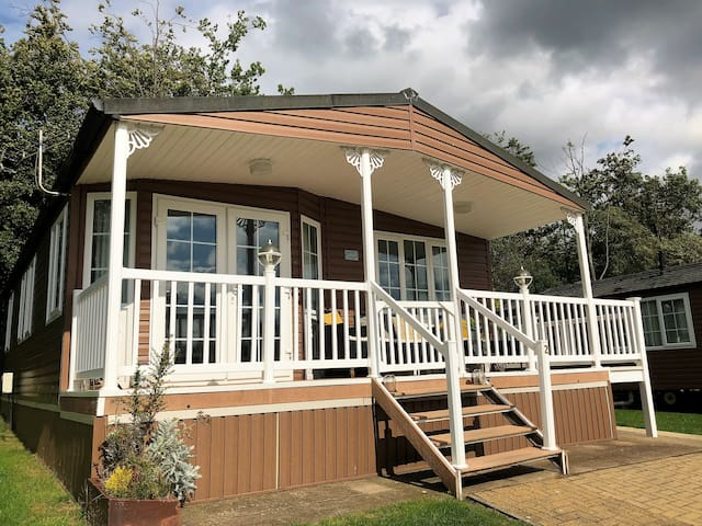 Betty's Lodge