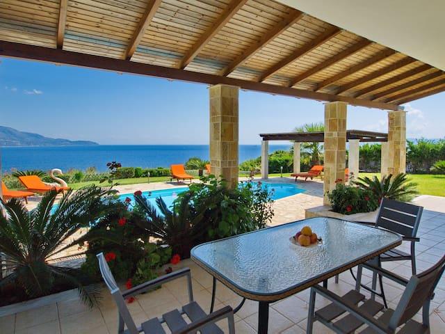 Villa Dionysos, Esparta, Kefalonia