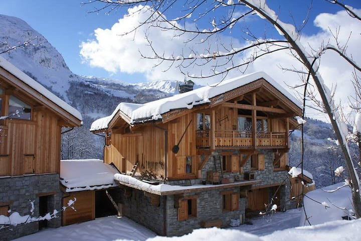 La Joubarbe Rose, ski at your foot chalet