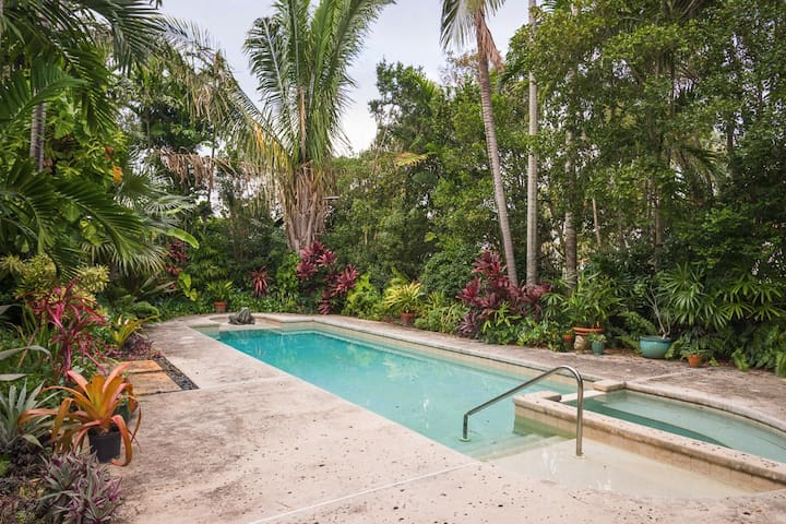 Private Tropical Paradise+Pool❤Near Beach+Parking