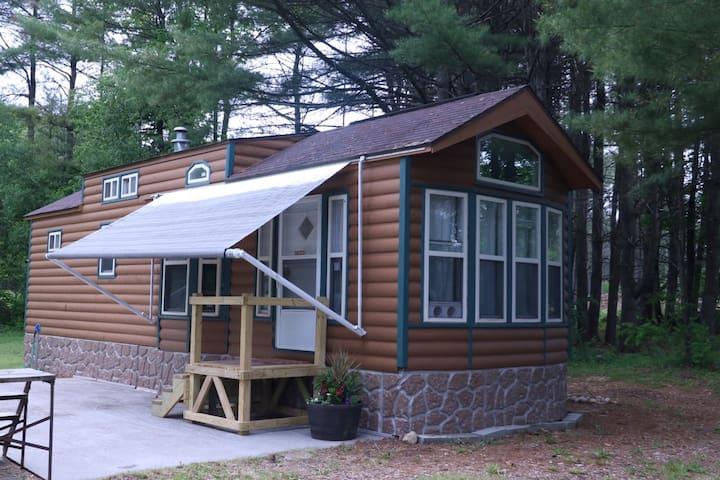 Cozy Adirondack Get-Away, Convenient Location