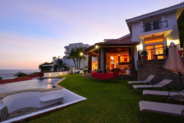 Luxurious and Private Villa Il Velo