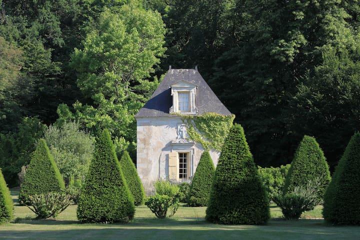 Pavillon de France at Château de Chambiers