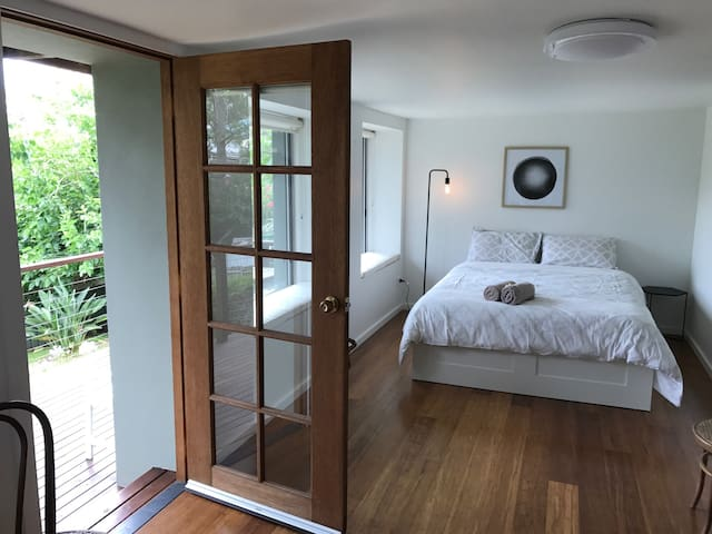 Woodland studio retreat, cozy&cute - Terrigal - Byt