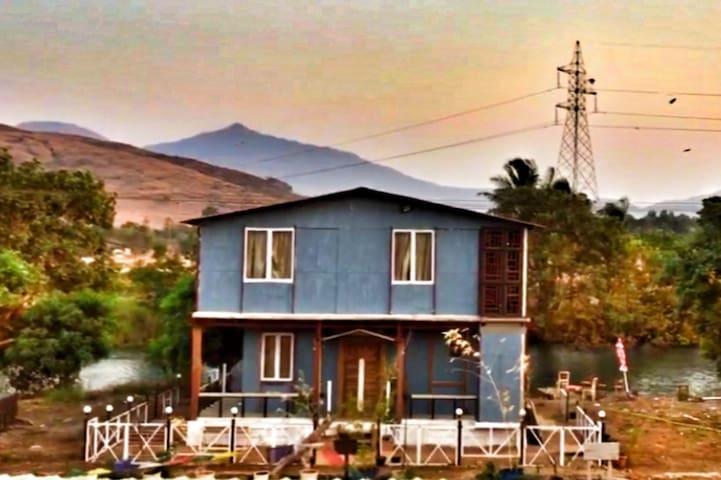 Pavna River & Sunset View cosy Villa top Suite