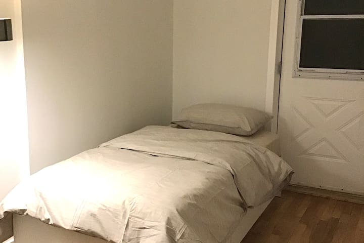 The Minimalists Suite - Plateau/Mile-End
