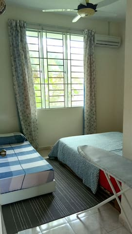 Second bedroom, aircond, can accomodate 3 guests