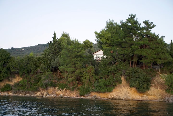 A Family House Above the Sea, at Pelion