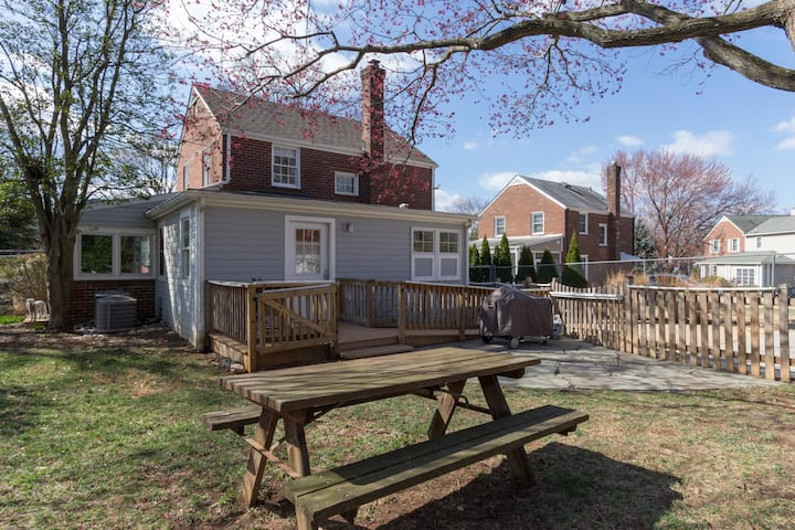 Private Queen Suite with Deck, Park Free, 0 Steps!