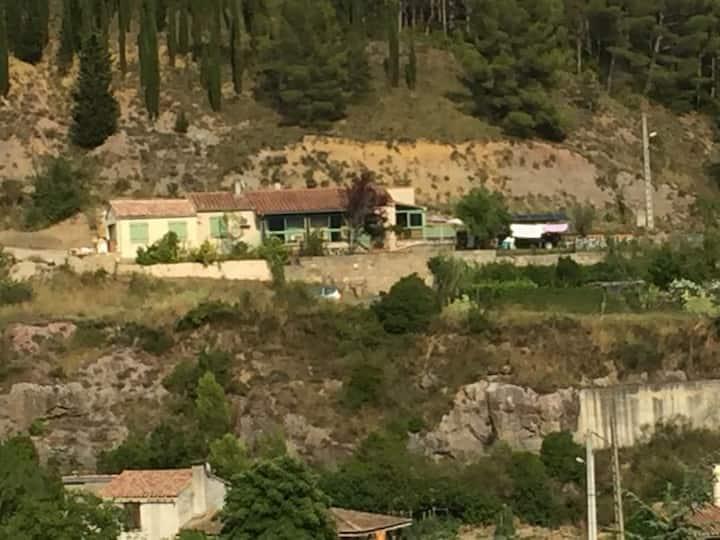 Espéraza: maison entière avec deux chambres