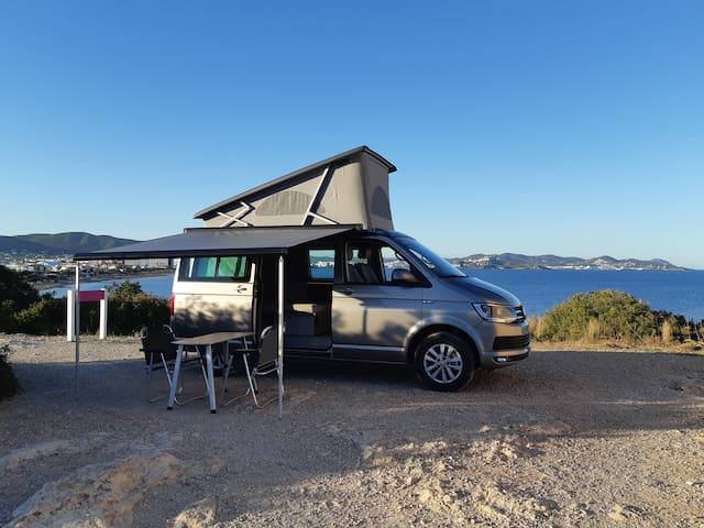 Disfruta  Ibiza desde una perspectiva segura !!