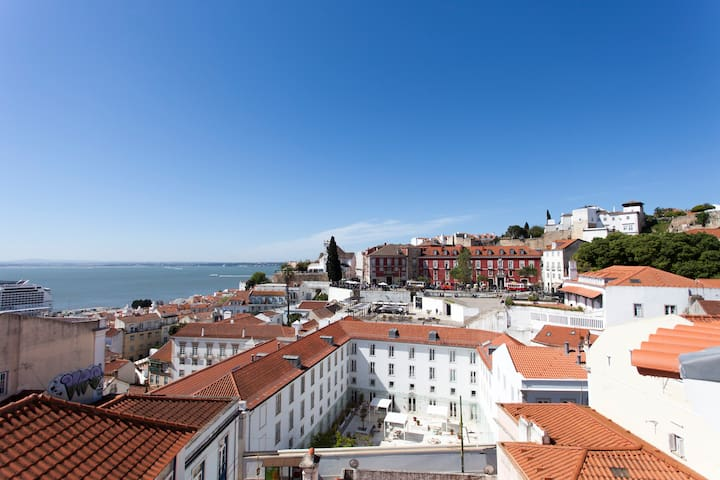 Sao Vicente I, Eco-penthouse,best view in Lisbon!