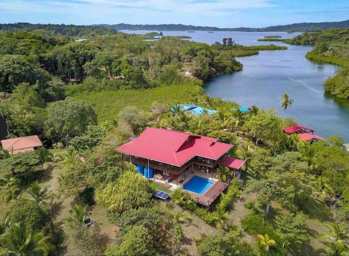 Isla Tiempo, Tropical Island Home 4