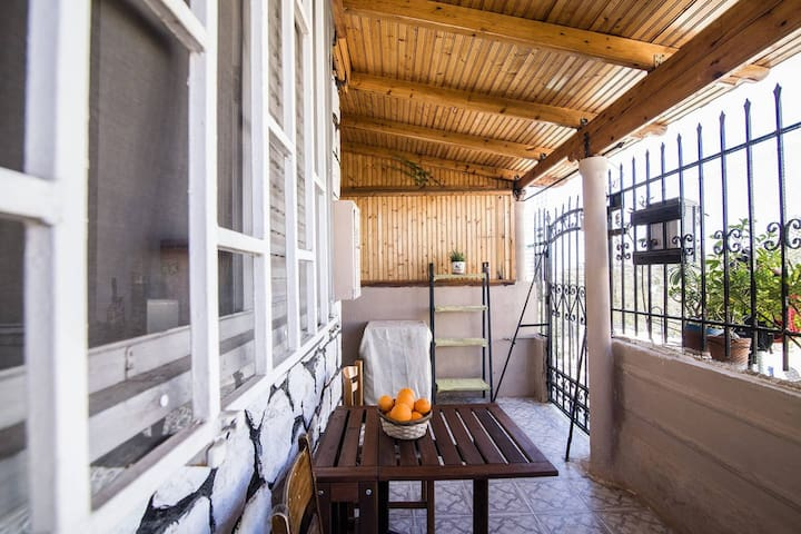 Perfect house,5min walk to Thiseio - Athina - Huis