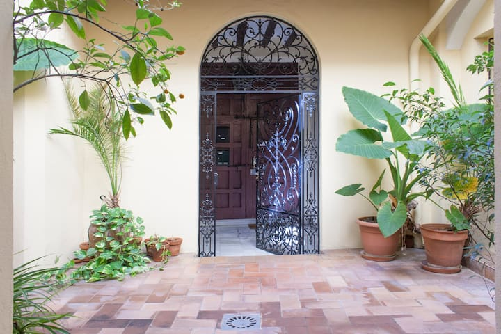 Apartament in the heart of Seville wifi A/C