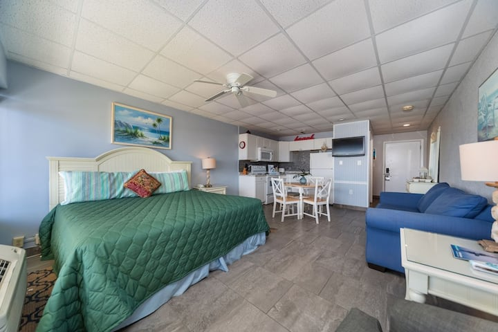New Listing! Ocean front VIP studio - just steps to the sand! Free WiFi & parking!