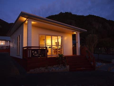 Croesus Cottage 2