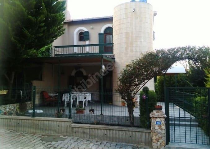 İzmir Çeşmede Eşyalı Kiralık Yazlık