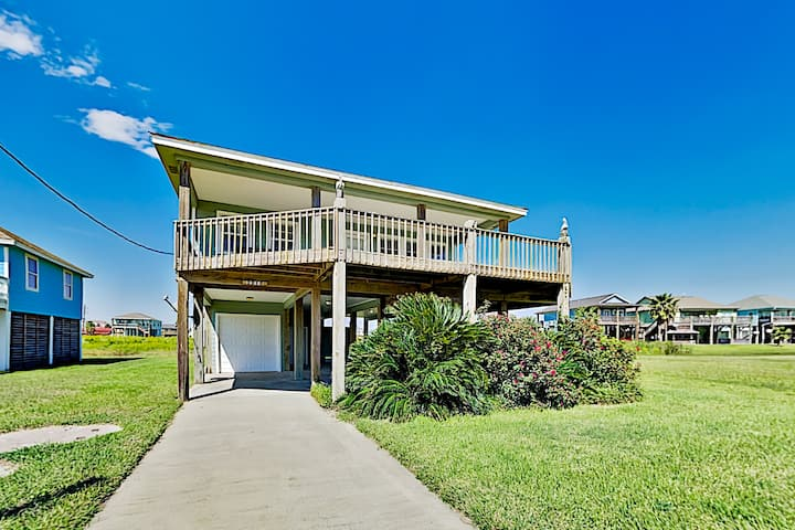 Crystal Beach Home | Large Deck, Steps to the Sand