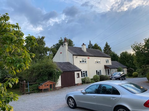 A lovely canalside cottage with 1.2 acre garden