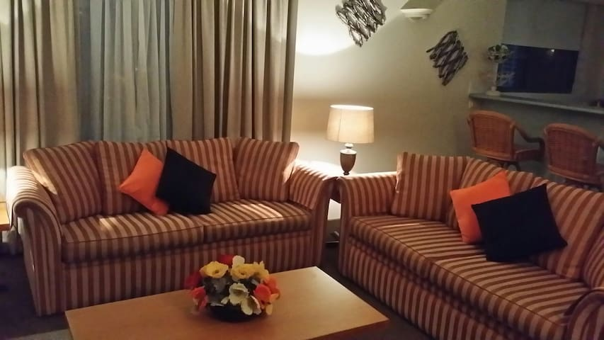 Crown Towers 2 Bedroom CHILD FRIENDLY APARTMENT