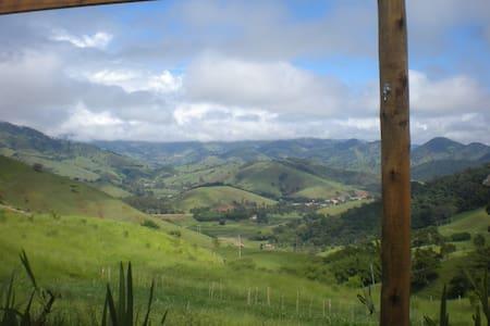 Chalé no Monjolinho - São Bento do Sapucaí - Bungalo