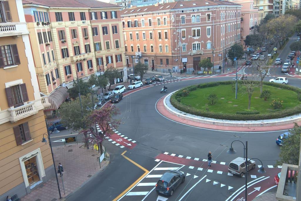centralissima piazza san Benedetto