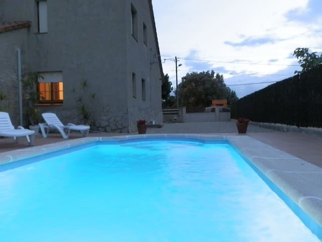 CASA CAL XIC, Ideal house for your holidays near the sea, free wifi, private pool, pets allowed, dog's beach.