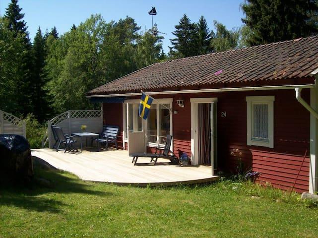 Härlig stuga i Roslagen, 200 m till badplats