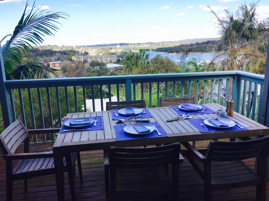 Al fresco dining, with water views