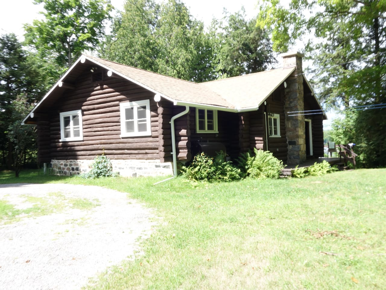 Once the main building of Mistikoska Lodge, now a cozy and modern cottage full of many upgrades