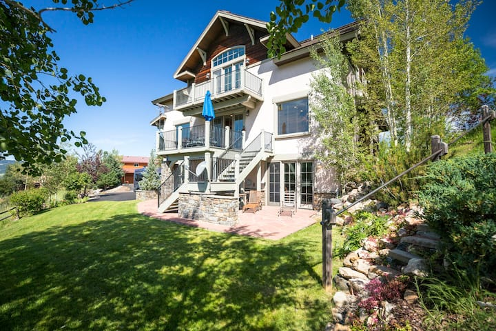 NEW! Luxury, Location, Love: the Perfect Mt.  home