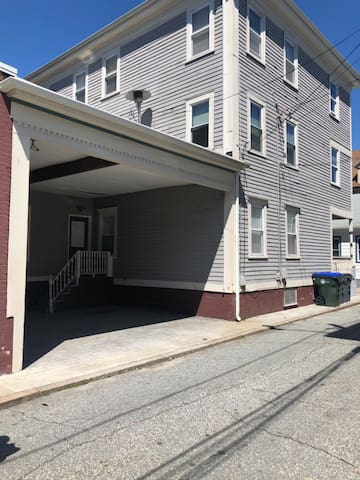 Federal hill Suite ~ steps away from Atwells Ave!!