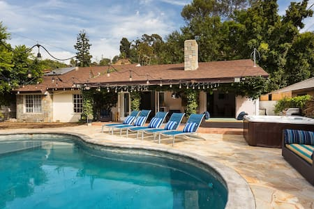 3 HOME GATED COMPOUND WITH POOL COMPLETE PRIVACY