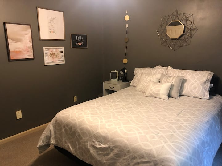 Come enjoy peaceful sleep. Quiet and cozy home.